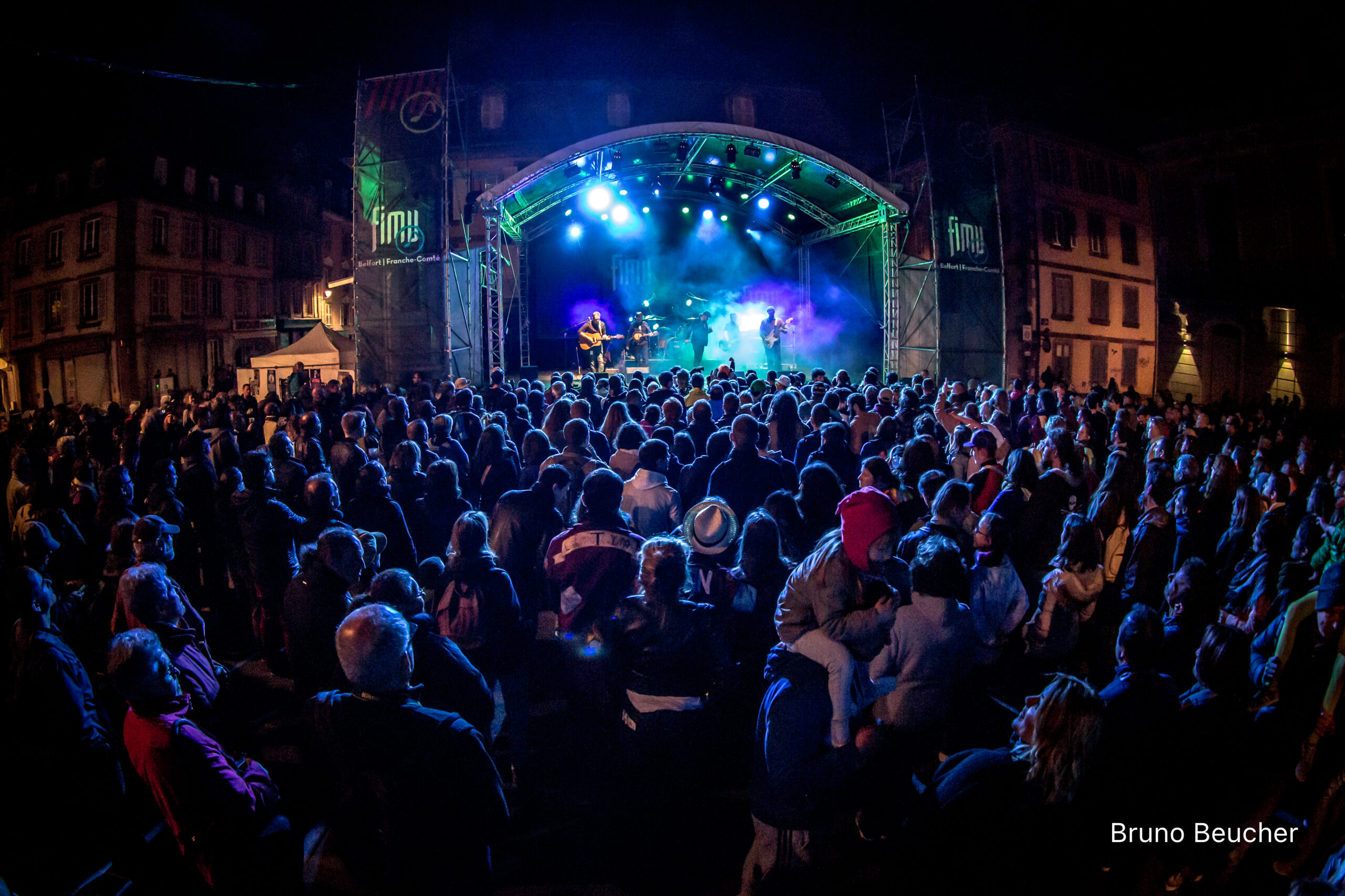 Belfort, Territoire de Belfort (90), mai 2016 : la foule devant The Crook and the Dylan's au FIMU
